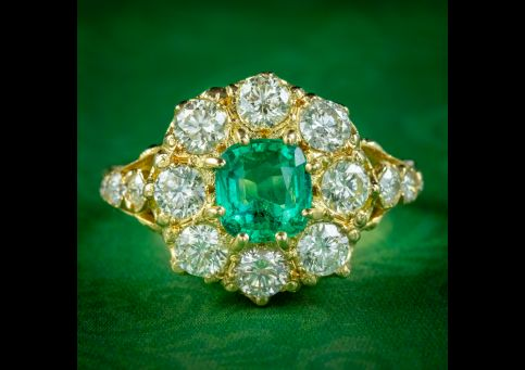 VICTORIAN STYLE EMERALD DIAMOND CLUSTER RING 18CT GOLD