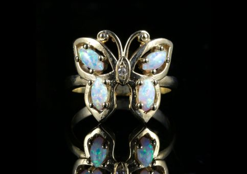 STUNNING OPAL DIAMOND BUTTERFLY GOLD RING