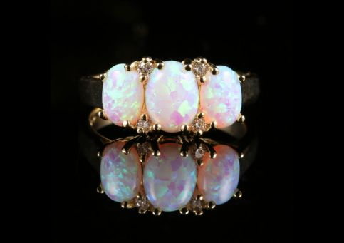 SPECTACULAR YELLOW GOLD OPAL DIAMOND TRILOGY RING