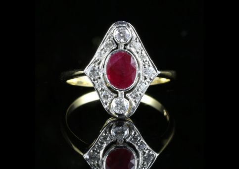 FABULOUS 0.75CT RUBY OLD CUT DIAMOND OVAL CLUSTER 18CT RING