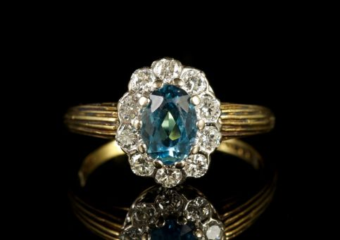 Vintage Blue Zircon Diamond Cluster Engagement Ring 18ct Gold