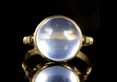 Antique Victorian Moonstone 18ct Gold Ring Circa 1880