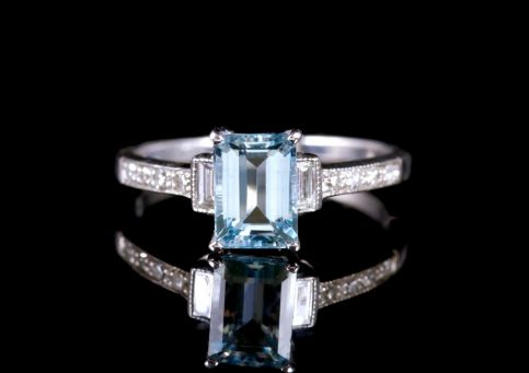 Aquamarine Diamond Ring 18ct White Gold Engagement Ring