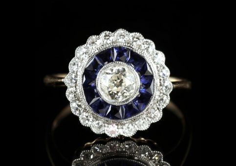 SAPPHIRE DIAMOND ENGAGEMENT RING 18CT GOLD FRENCH CUT SAPPHIRES