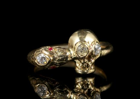 Momento Mori Diamond Skull Snake Ring 18ct Gold front1