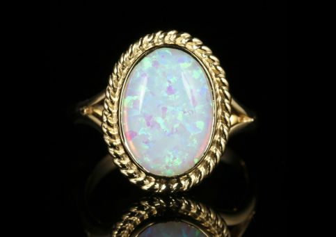 Opal Gold Ring 9ct Gold 6ct Opal front view