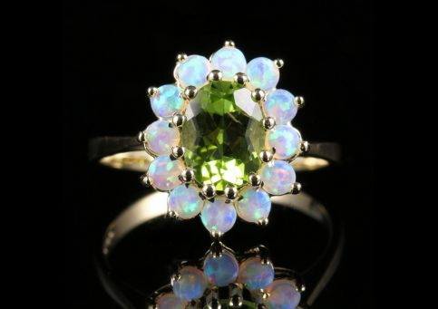 OPAL AND PERIDOT GOLD RING LOVELY GEMSTONES