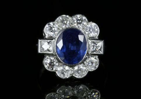 Sapphire and Diamond Ring 18ct White Gold 2.80ct Sapphire