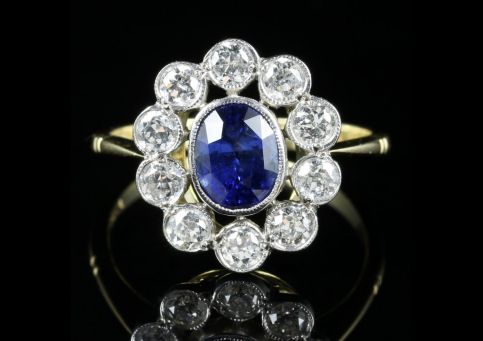 Sapphire Diamond Cluster Ring 18ct Gold Engagement Ring front view