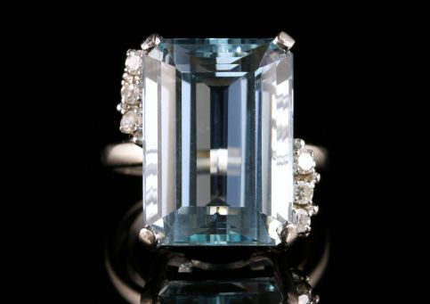 Antique Art Deco Aquamarine Diamond Ring 25ct Platinum Ring Circa 1920