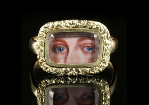 Antique Victorian Lovers Eye Ring Circa 1880 9ct Gold front view