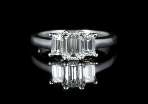 Art Deco Diamond Trilogy Ring 14ct White Gold 1.01ct Vvs1 front view