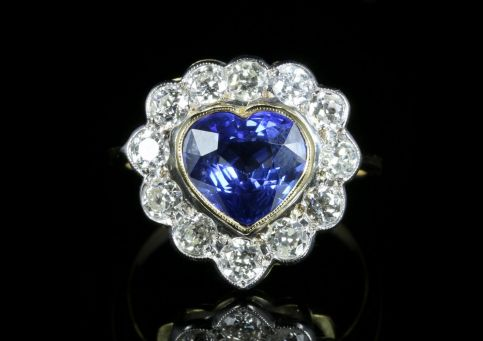 Sapphire Diamond Heart Ring 18ct Gold front view
