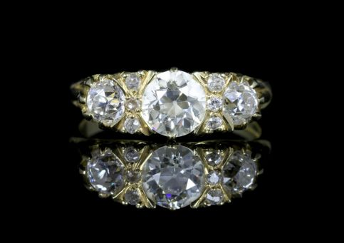 Antique Victorian Diamond Ring 18ct Gold 2.20ct Diamonds front view