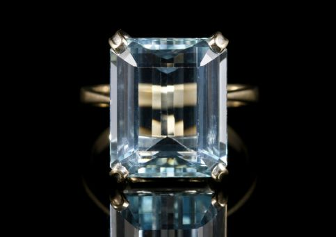 Art Deco Aquamarine Ring 18ct Gold 10ct Aqua Circa 1920 front view