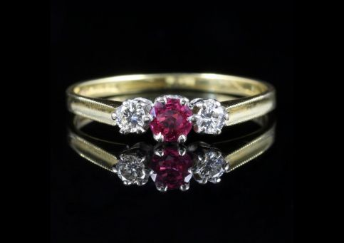 VINTAGE RUBY DIAMOND TRILOGY RING 18CT GOLD DATED 1986