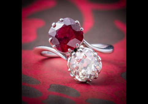ANTIQUE EDWARDIAN RUBY DIAMOND TWIST RING PLATINUM CIRCA 1915