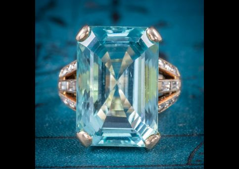 ART DECO AQUAMARINE RING 18CT GOLD 28CT AQUA